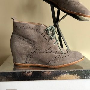 Matiko Lace Up Wedge Bootie soft GORGEOUS grey